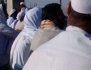 مسلمانی کامل، گردن نهادن به دستورات الهی است